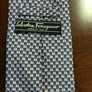 SALVATORE FERRAGAMO 100%Silk .